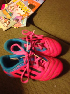 Adidas girls size 11 soccer cleats for Sale in Fort Wayne, IN