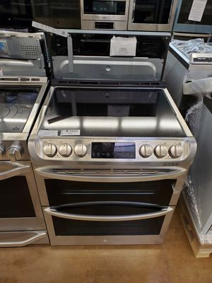 LG Slide-In Electric Stove for Sale in Buena Park, CA
