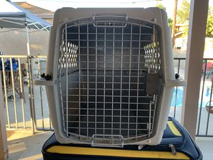 Medium dog cage for Sale in Los Angeles, CA