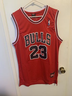 Michael Jordan #23 red Chicago bulls jersey for Sale in San Fernando, CA
