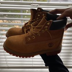 Timberland Boots Size 4.5 for Sale in Marietta,  GA