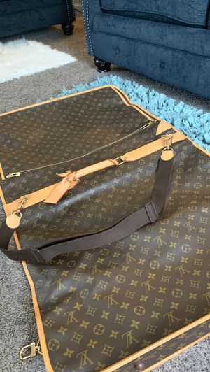 Louis Vuitton garmet Bag vintage for Sale in South Euclid, OH