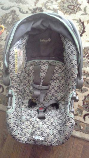 Baby/infant car seat/carrier for Sale in Denver, CO