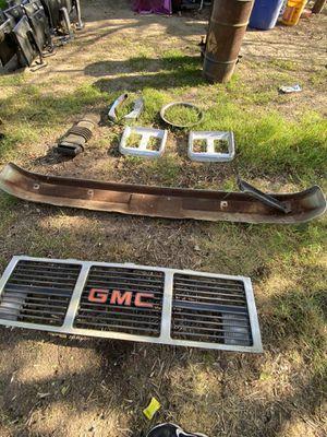GMC Grill and Chrome Bumper for Sale in Stockton, CA