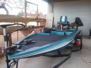 Bass Boat WITH Title and trailer for Sale in San Antonio, TX