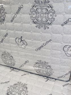 Full Organic Cotton Mattress & Boxspring for Sale in Carson,  CA