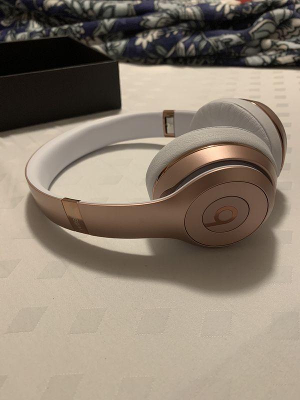 Wireless Beats Solo 3 rose gold