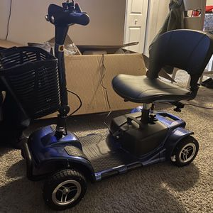 Vive 4 Wheel Mobility Scooter 🛵 for Sale in Laurel, MD