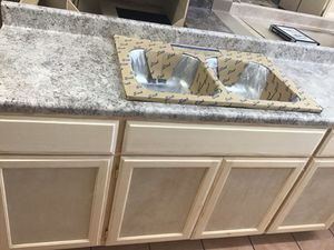 6ft kitchen cabinet countertop & sink for Sale in El Segundo, CA