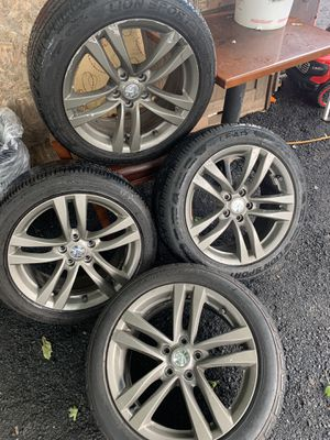 G37x stock rims for Sale in Bloomfield, CT