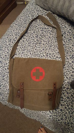 Army green bag for Sale in Hacienda Heights, CA