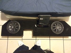 10' KICKER COMPS WITH CUSTOM BOX FOR TRUCK for Sale in Stockton, CA