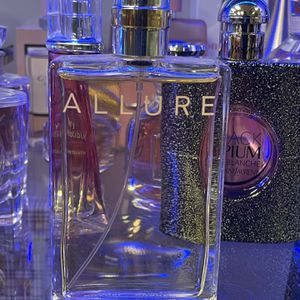 Chanel Allure Women's Perfume 3.4 Oz for Sale in Fontana, CA