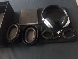 Master & Dynamic - MW50+ 2-In-1 Wireless On + Over-Ear Headphones - Black/Silver for Sale in Seattle, WA