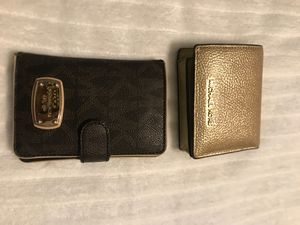 (2) MICHAEL KORS WALLETS METALLIC /FLORENCE BROWN for Sale in Tallahassee, FL
