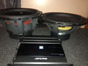 """2 12"""" subs + 5 channel mono amp for Sale in Hartford, CT"""