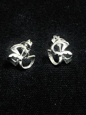 Sterling Silver three leaf flower design stud earrings for Sale in Las Vegas, NV
