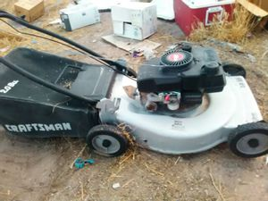 Lawn mower Craftsman needs work see second picture for Sale in Las Vegas, NV