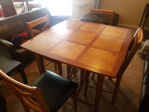 Dinning Table and 4 chairs for Sale in Laveen Village, AZ
