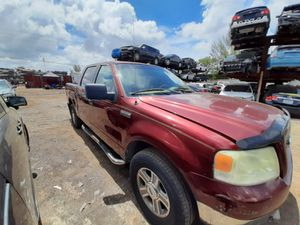Ford F-150 2005 only parts transmission good for Sale in Hialeah, FL