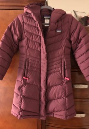 Patagonia size medium girl jacket worn only this year for Sale in Chelsea, MA