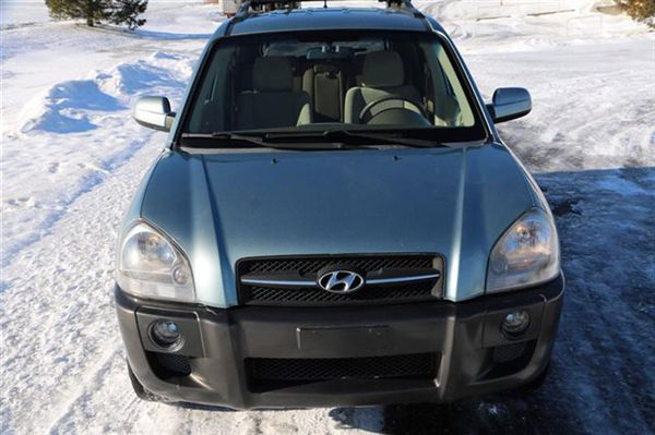 Ext / Int Color Alpine Frost with Beige Cloth Interior06 Hyundai Tucson