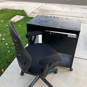 Computer Desk and Chair Black 31x30x19With Coaster Wheels for Sale in Clovis, CA