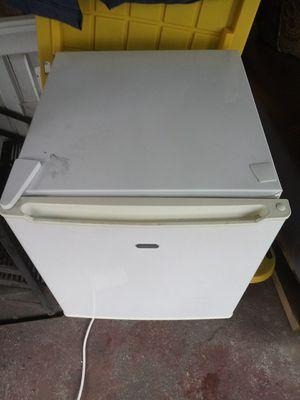 Sunbeam mini fridge obo for Sale in Pawtucket, RI