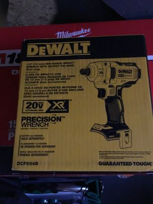 Dewalt mid torque impact wrench for Sale in Cleveland, OH