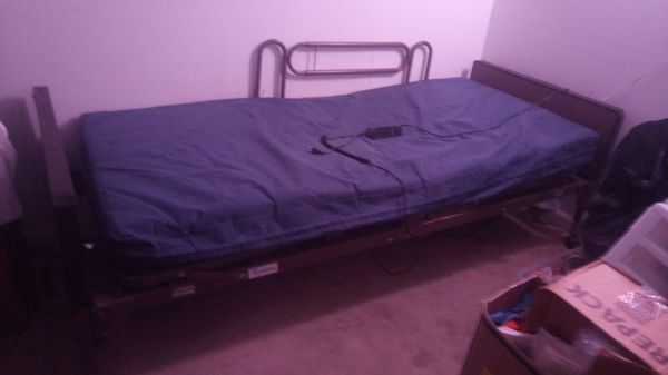 Free bed with a mattress like new