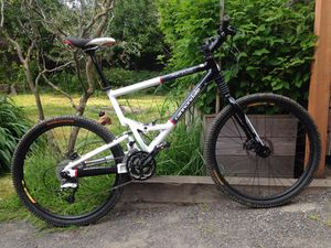 2004 Cannondale Jekyll 800 Mountain Bike for Sale in Portland, OR