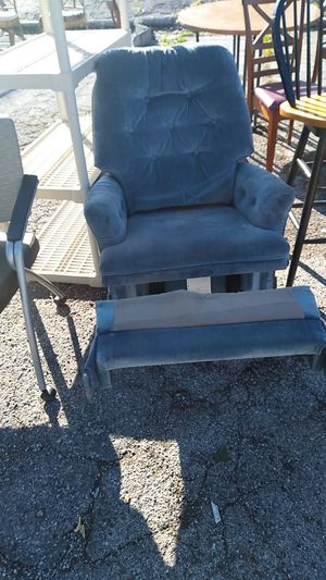 Recliner for Sale in St. Louis, MO