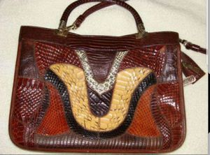 Like new real snake skin purse for Sale in Fort Lauderdale, FL