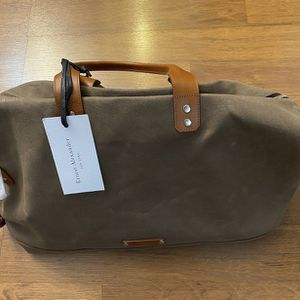 Ernest Alexander New York Duffle Bag. Leather for Sale in Mundelein, IL
