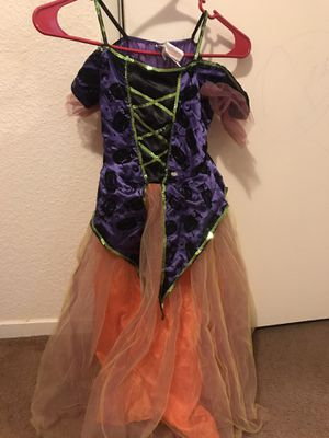 Girls Halloween costumes for Sale in Fresno, CA
