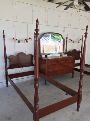 Provincial twin bed set and dresser for Sale in Whittier, CA