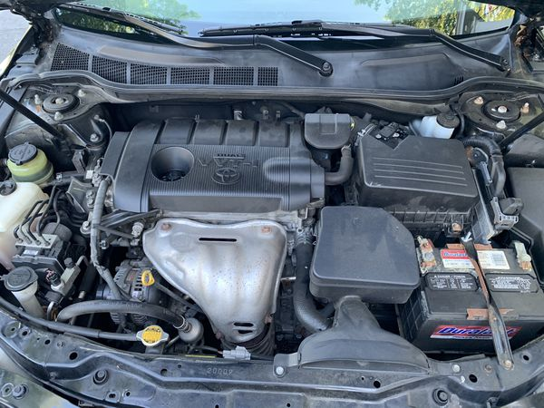 2011 Toyota Camry clean