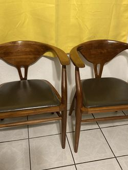 2 Mid Century Chairs for Sale in Los Angeles,  CA