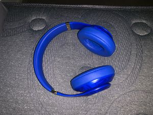BEATS STUDIO 3 (Golden state warriors) *LIMITED EDITION* for Sale in Richmond, VA