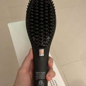 Vanit Ceramic Straightening Brush - NO USE! New open box Must go! for Sale in Miami, FL