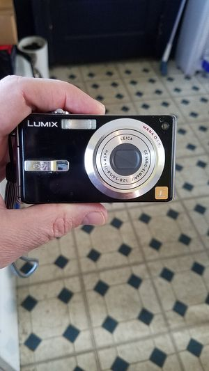 Panasonic Lumix FX7 5 Megpixel Digital Camera for Sale in Morristown, NJ