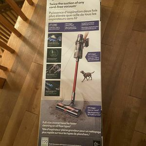 Dyson V11 Outsize Cord-free Vacuum New for Sale in Yakima, WA