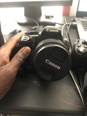 Canon Eos Rebel T3 18-55mm for Sale in Huntersville, NC