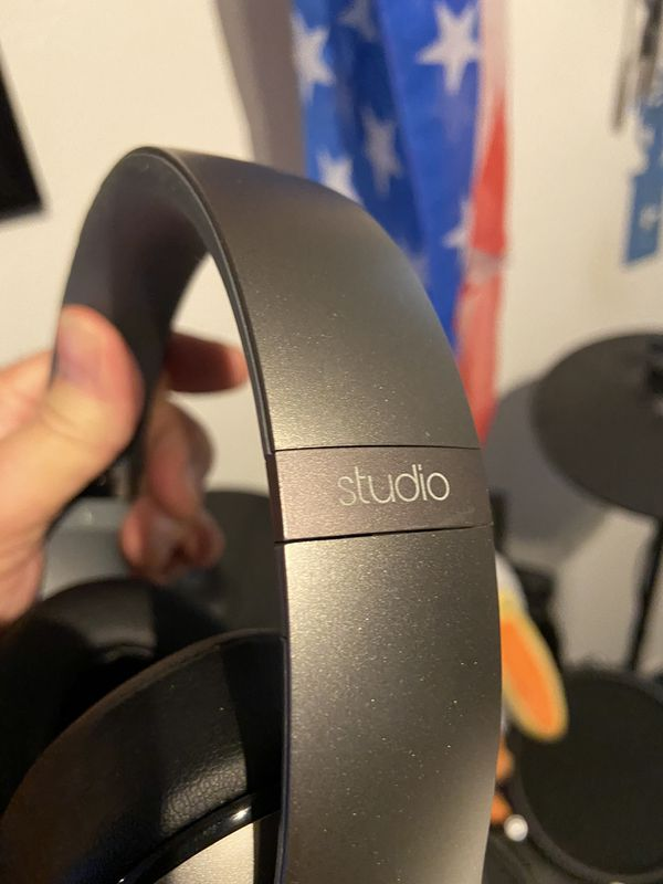 Beats Studio Wireless Headphones Like New