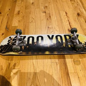 Zoo York Skate board for Sale in Newark, NJ