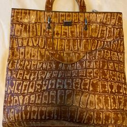 Gianfranco Ferre Authentic Leather Crocodile Embossed Pattern Tote. Unisex. for Sale in Kirkland,  WA