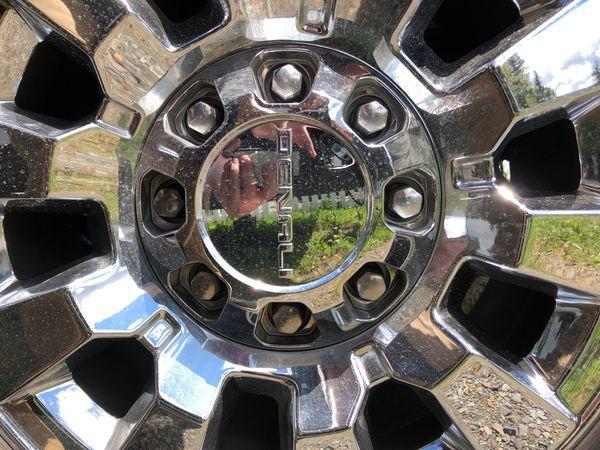 """2018 GMC Sierra Denali HD 2500 wheels 20"""" $600"""