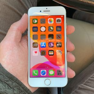 iPhone 7 128GB UNLOCKED for Sale in Hartford, CT