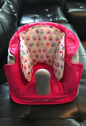 Baby girl chair/ booster seat for Sale in McDonough, GA