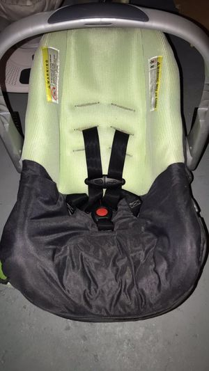 Baby carseat for Sale in Woonsocket, RI